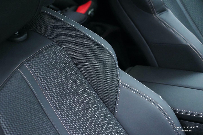 508SWの運転席シート素材感