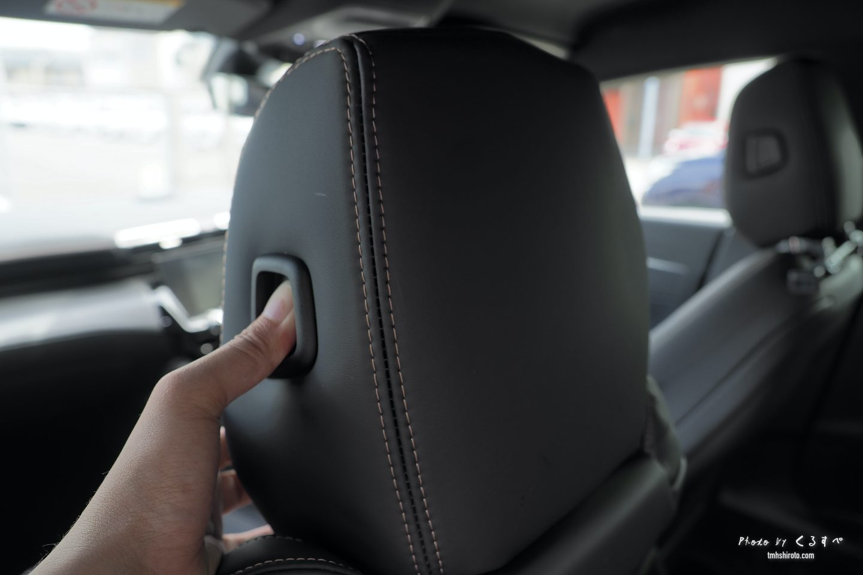 508SWの運転席ヘッドレストのボタン