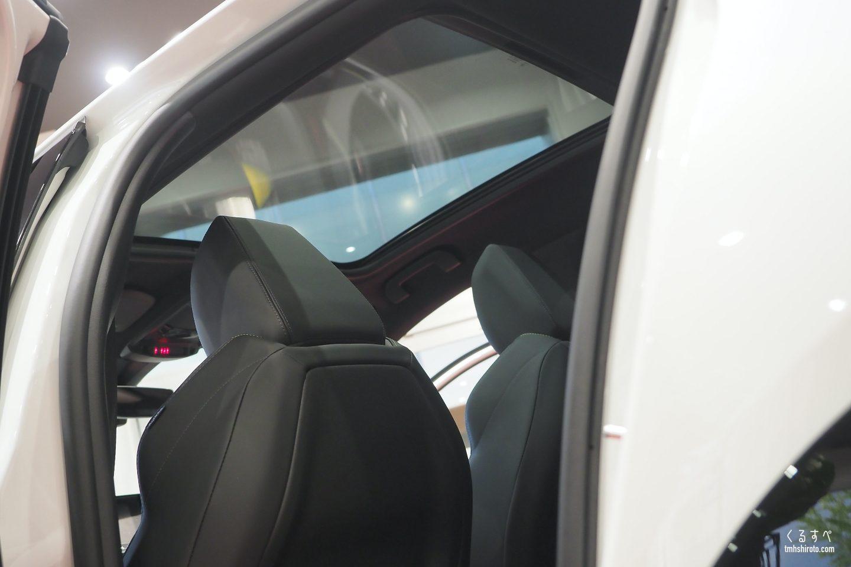 新型208 GT Lineのガラスルーフ(10万円のオプション)