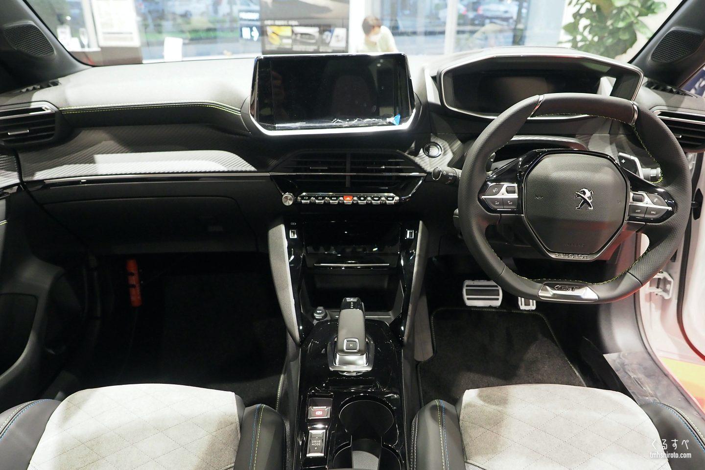 新型208 GT Lineのインテリア全貌