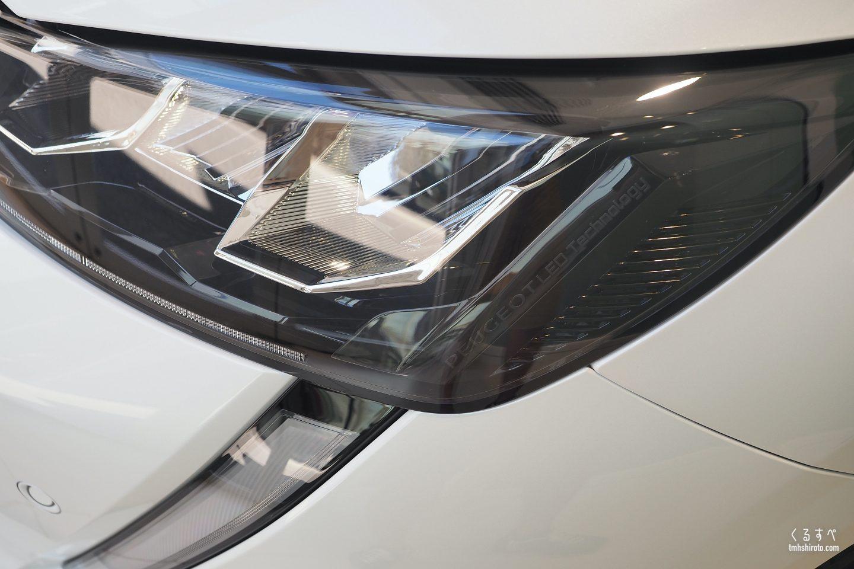 新型208 Allureのヘッドライト
