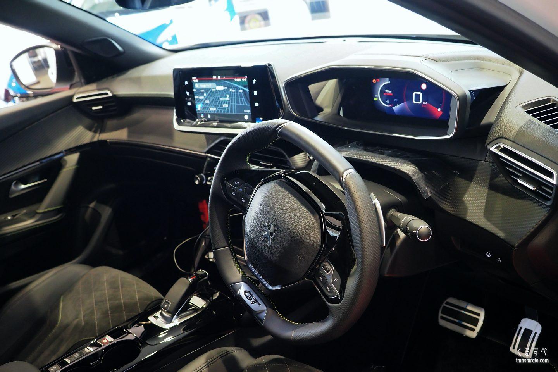 SUV 2008 GT Linenの運転席周り全貌