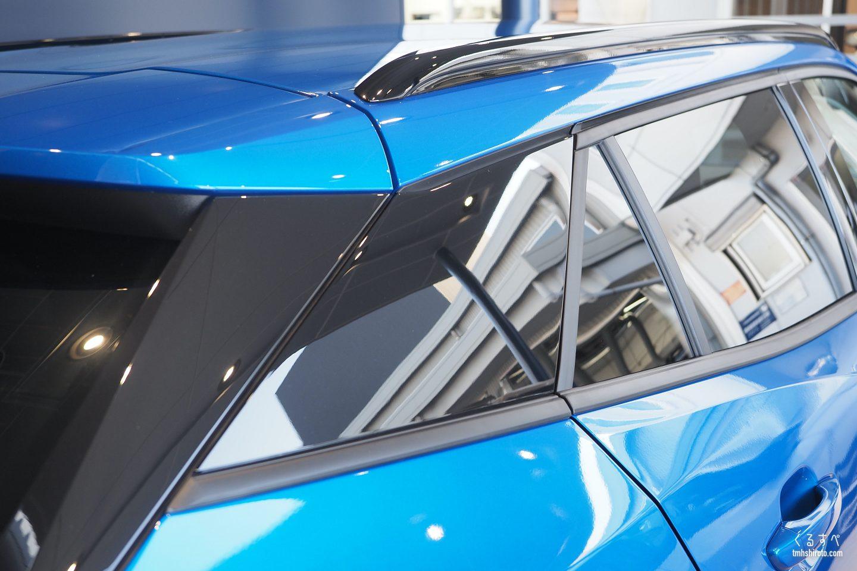 SUV 2008 AllureのCピラー周りとウィンドウモール