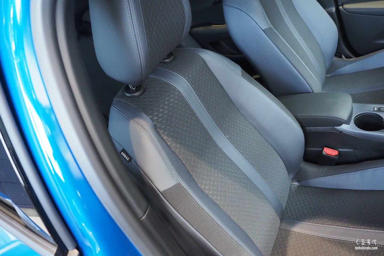 SUV 2008 Allureのアルカンタラシート(全貌)