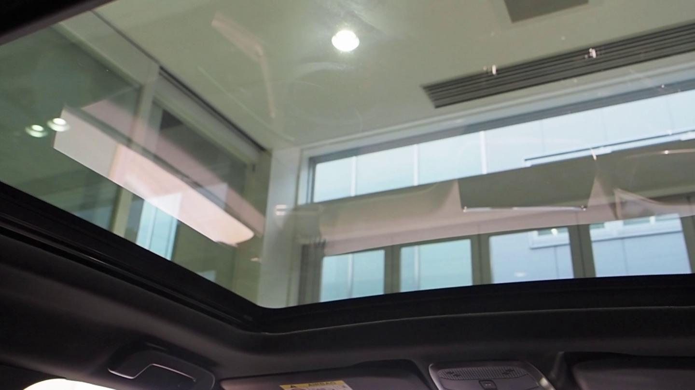 SUV 2008 GT Lineのパノラミックサンルーフ(メーカーオプション)