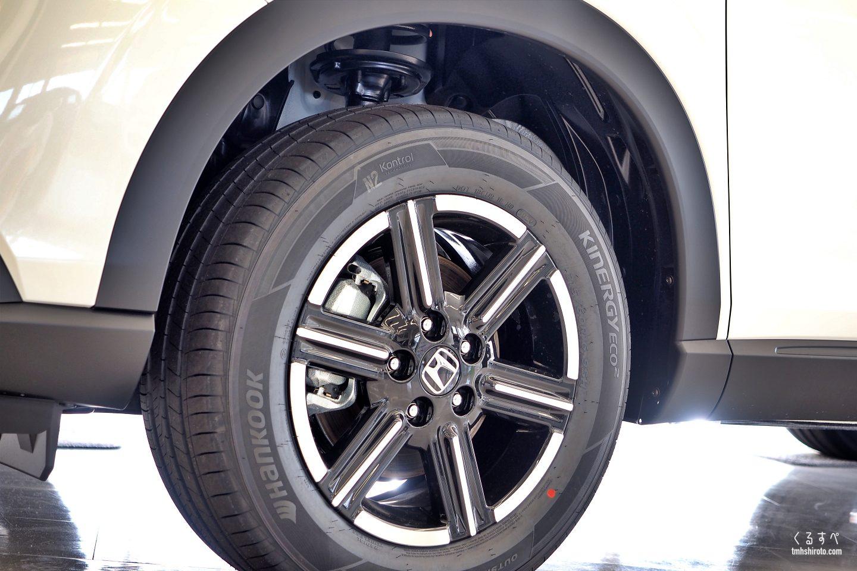 ホンダヴェゼルe:HEV Xの16インチタイヤ&アルミホイール