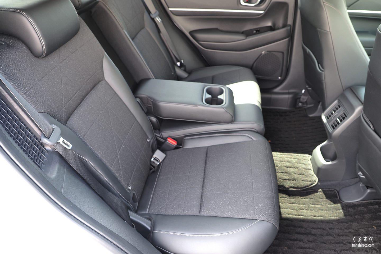 新型ヴェゼル e:HEV Zの内装後席全貌