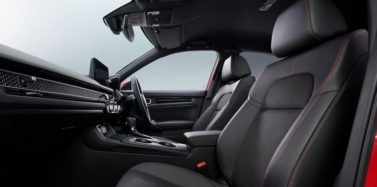 新型シビックハッチバックEXのウルトラスエードシート(運転席、助手席)