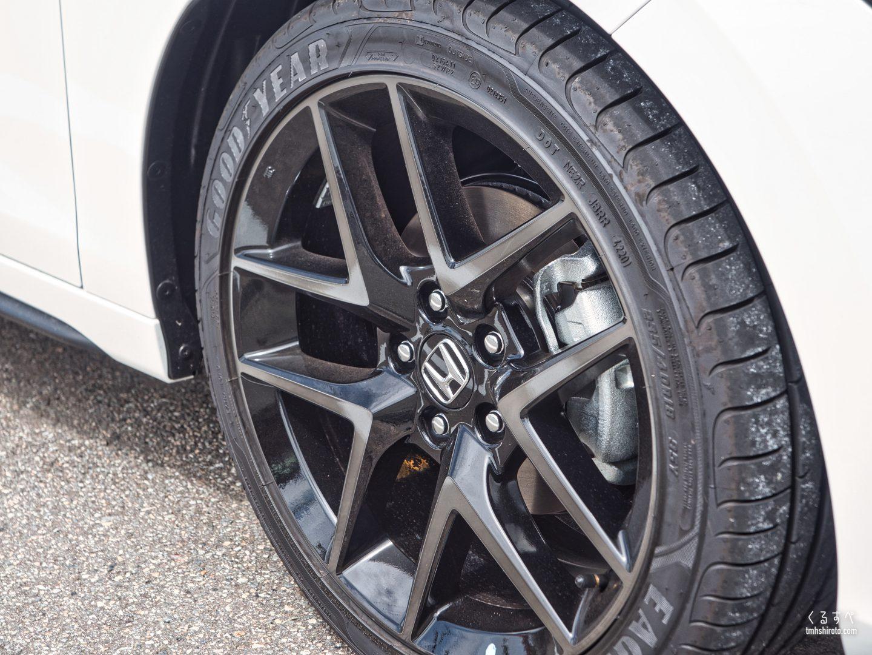 ホンダ シビック(FL1型) EXの18インチアルミホイール&タイヤ(235/40R18 GOODYEAR EAGLE F1)